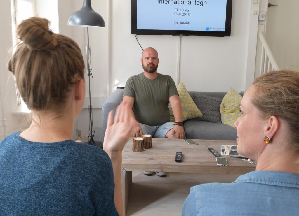 Kursus i internationalt tegnsprog med Bo Hårdell
